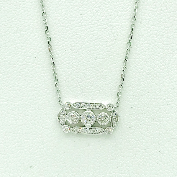white gold art deco style pendant:necklace